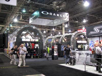 Oakley 50x50 Island Exhibit