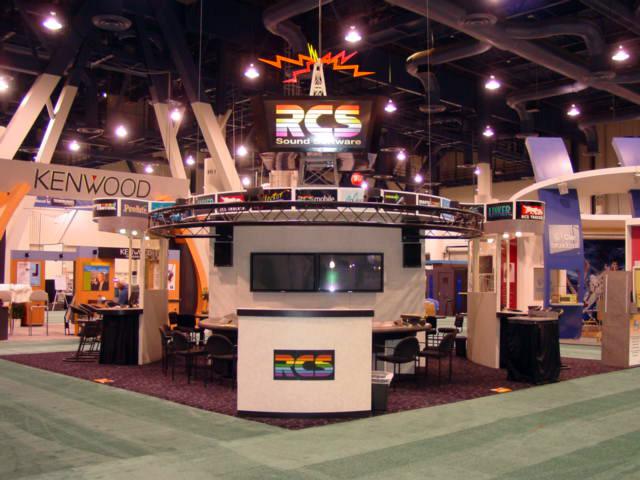RCS 20x20 Island Exhibit